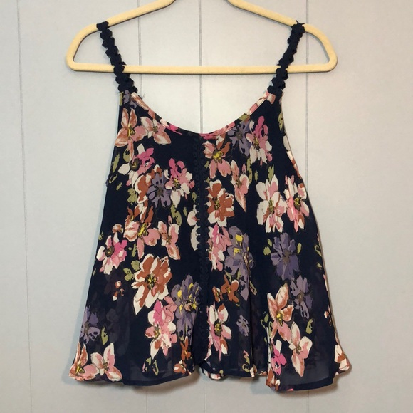 4f908acb36f PRETTY FLORAL TANK TOP WITH LACE SZ S